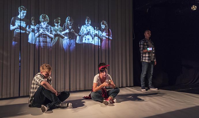 teatrul_luceafarul_iasi_premiera_istorie_persoana_oltita_cintec_evenimente_istorice_5