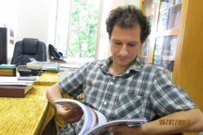 """Bogdan Crețu: """"Rolul profesorului este acela de a te face să te întâlnești cu o carte bună."""" (interviu)"""